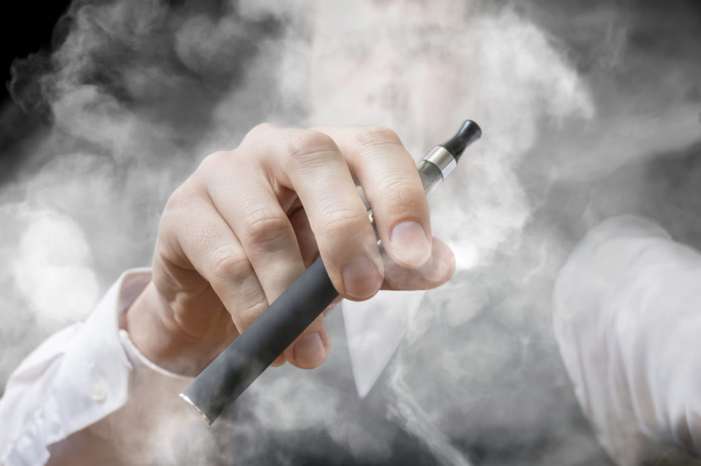 Three Big Reasons to Switch to Electronic Cigarettes